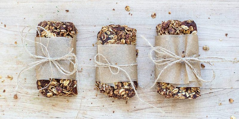 Eat Clean: DIY Junk-Free Granola Bars