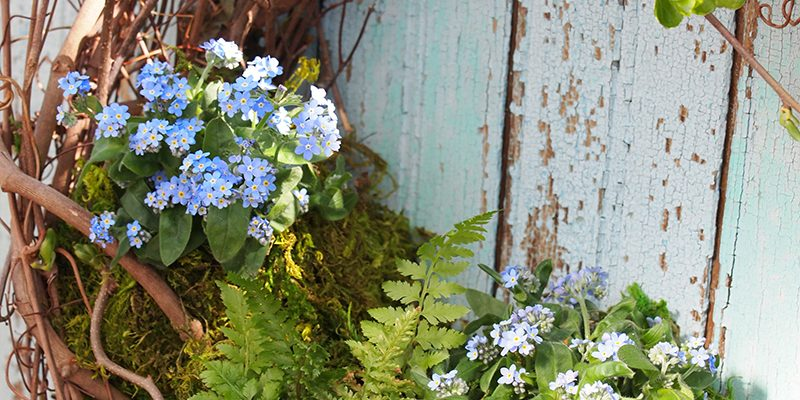 How to Make a Spring Garden Wreath